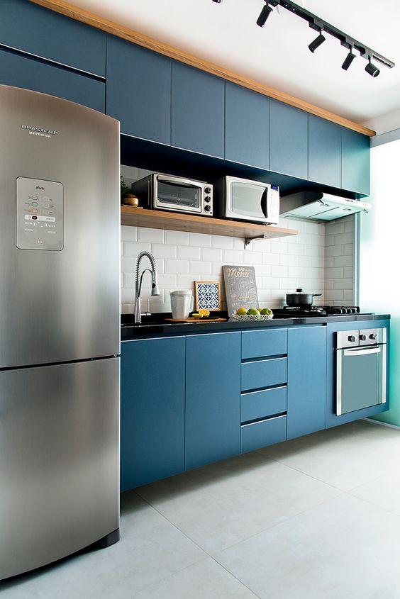 Cores de móveis planejados para cozinha azul