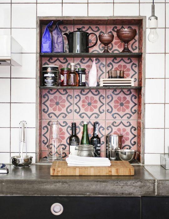 Cozinha com azulejo retro moderno