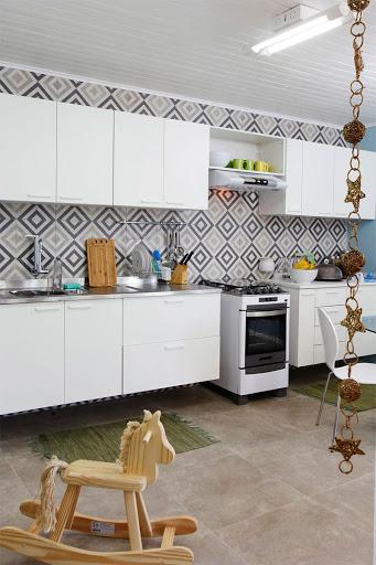 Cozinha com revestimento de cerâmica
