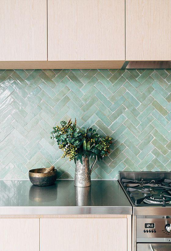Cozinha com revestimento verde agua