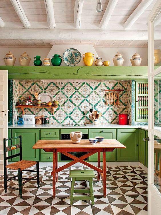 Cozinha vintage com revestimento verde