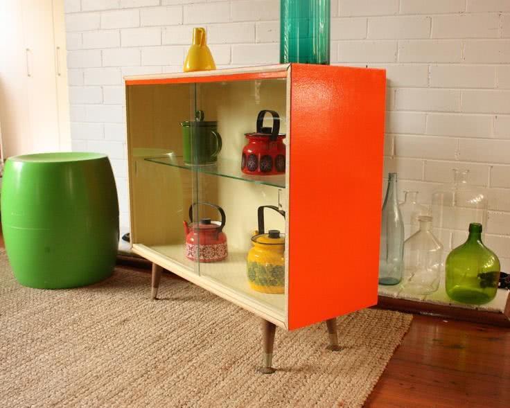 Cristaleira pequena de vidro na cor laranja