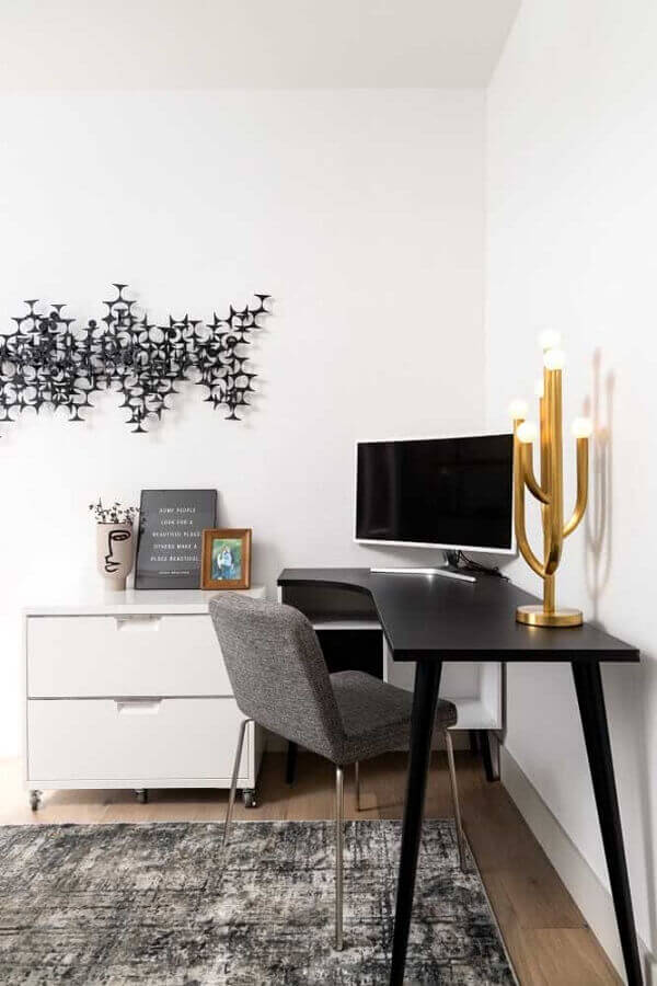 decoração com cadeira acolchoada para escrivaninha preta de canto Foto Architecture Art Designs