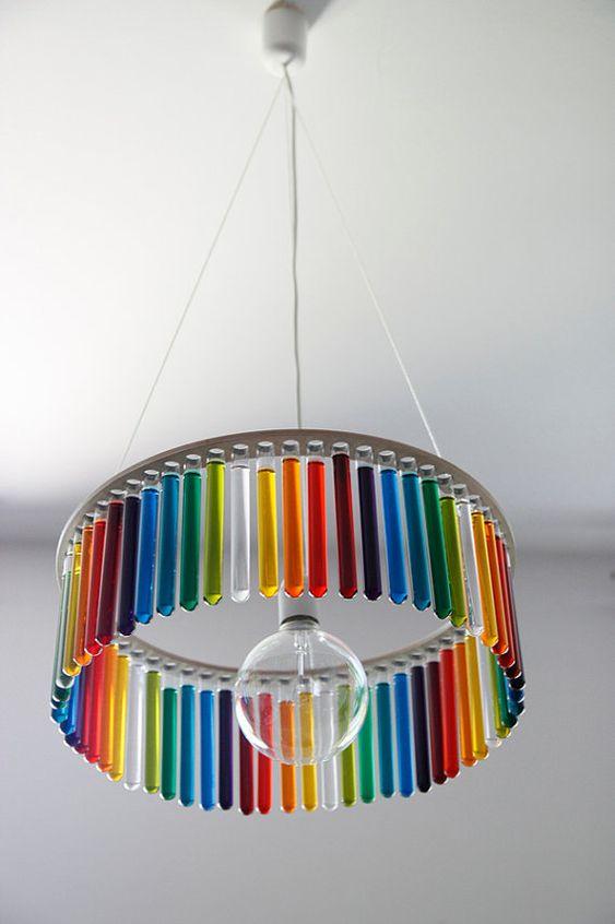 Lustre infantil colorido pendente