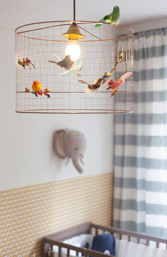 Lustre infantil com passarinhos