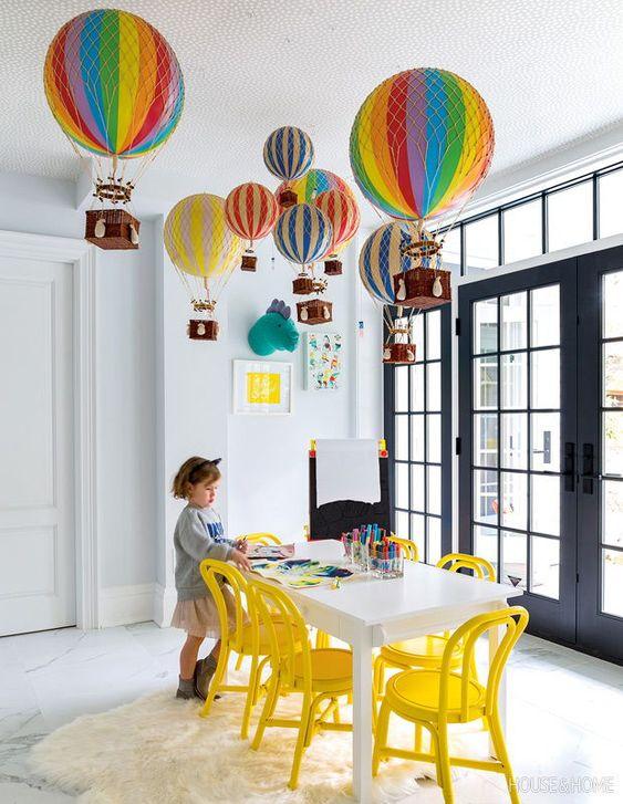 Lustre infantil de balão