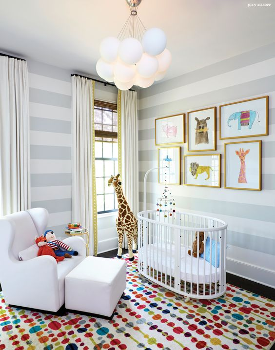 Lustre infantil em formato de nuvem para quarto de tema safari