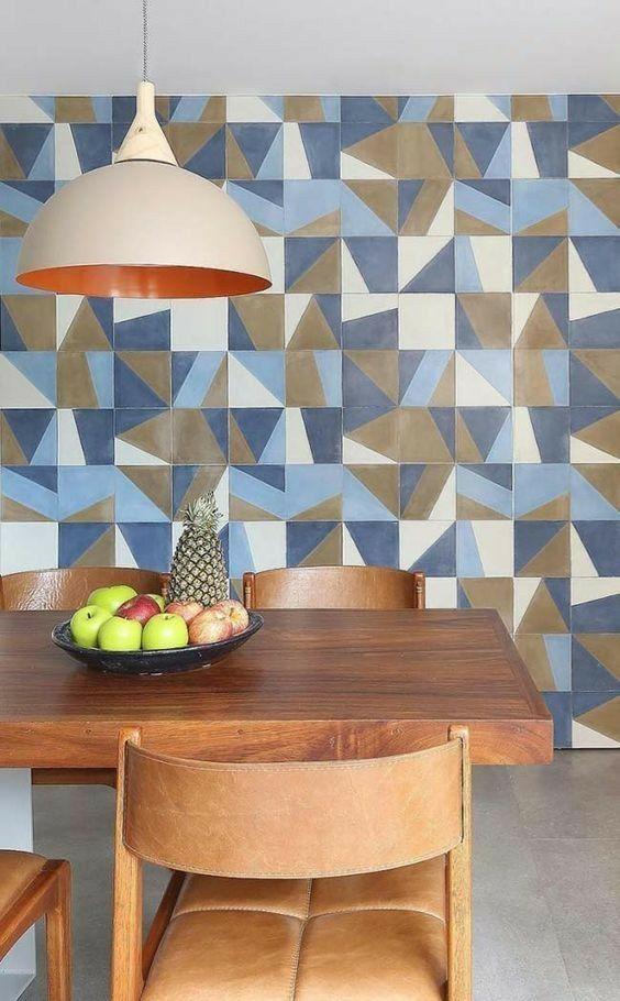 Mesa de jantar com azulejo retro azul e branco