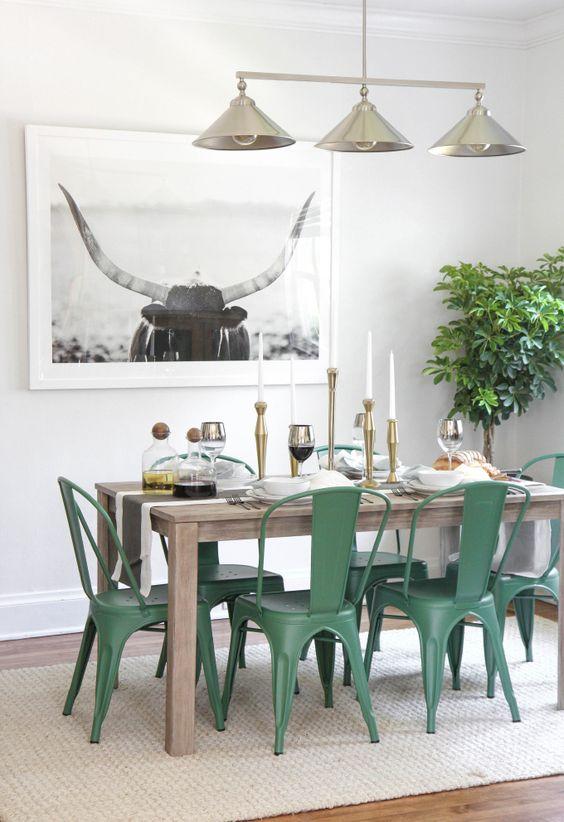 Mesa de jantar com cadeira de ferro