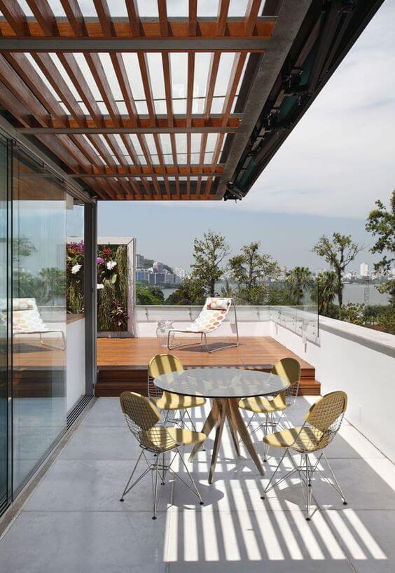 Mesa para área gourmet pequena de vidro