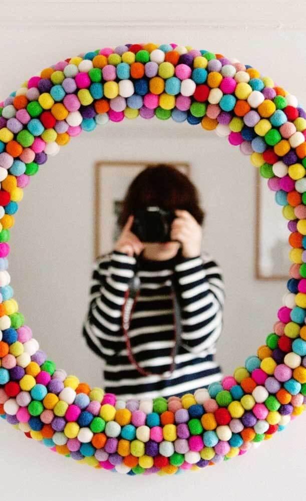 Moldura colorida para espelho criativo