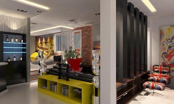 O aparador amarelo para sala traz um toque de cor para o ambiente