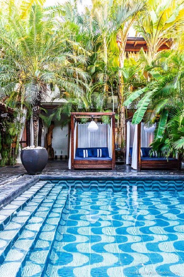 O azulejo para piscina 30x30 é um dos modelos que podem ser encontrados no mercado