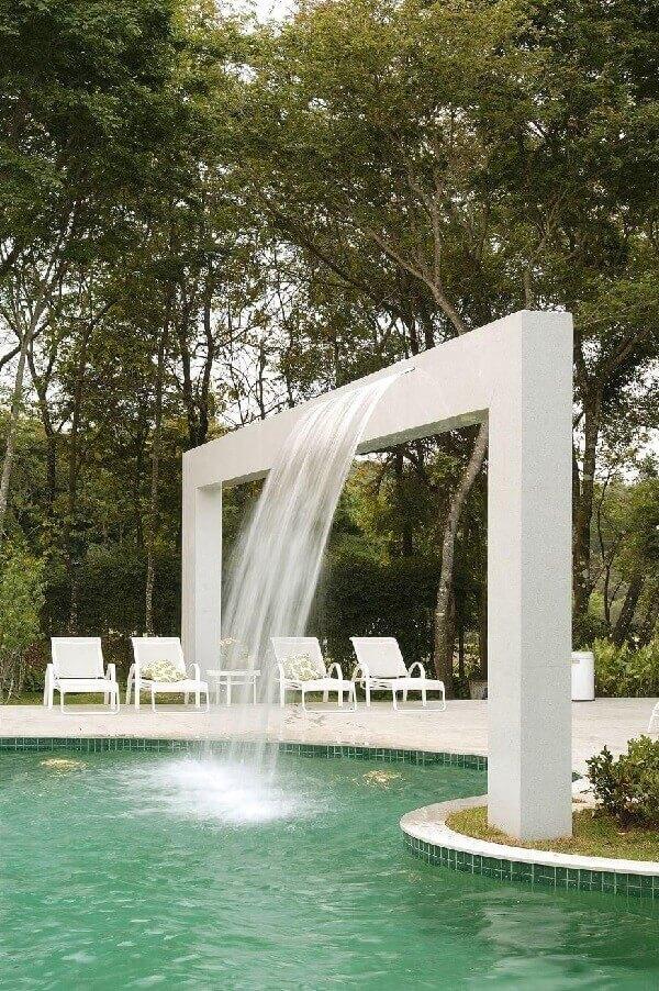 O céu é o limite quando pensamos em azulejo para piscina