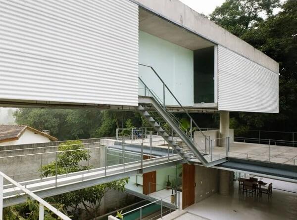 O revestimento para escada de ferro é o elemento responsável por ligar os diferentes níveis com estilo