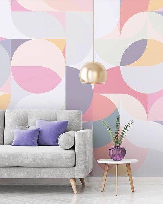 Papel de parede rosa e lilás geométrico