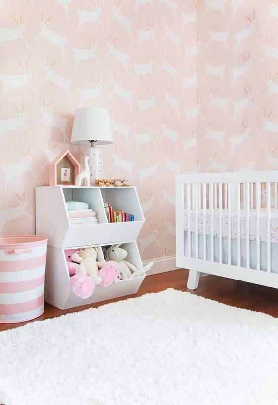 Papel de parede rosa para quarto infantil