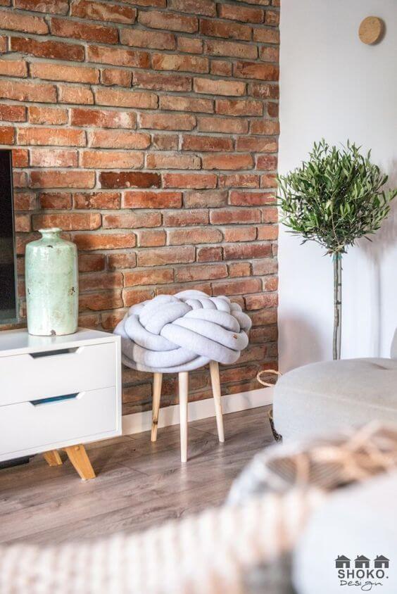 Papel de parede rustico de tijolinho na sala de estar