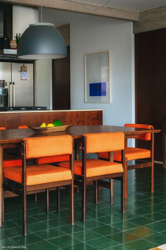 Piso de sala de jantar verde