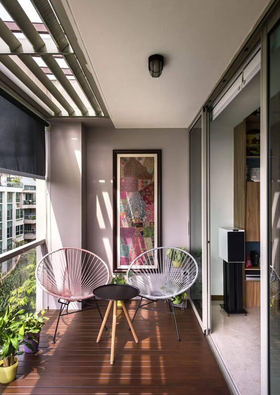 Poltrona de vime na varanda moderna