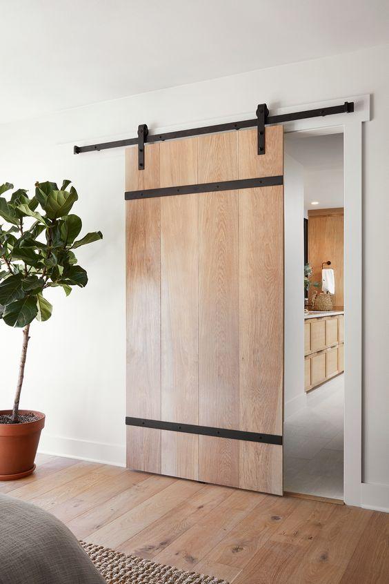 Porta de correr de madeira para sala moderna