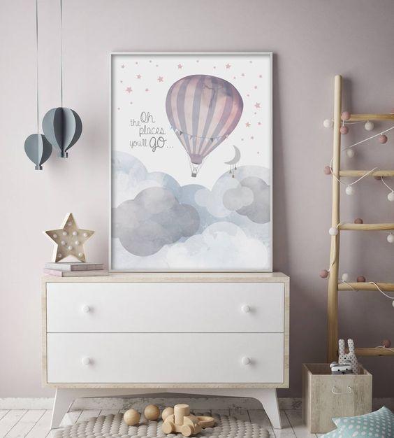 Quadro infantil de balao na decoração de casa