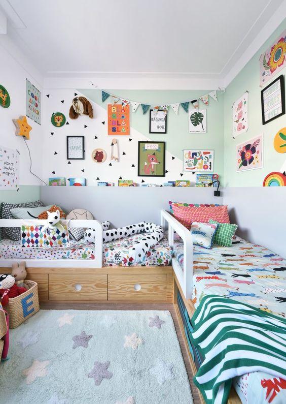 Quadro infantil no quarto pequeno criativo