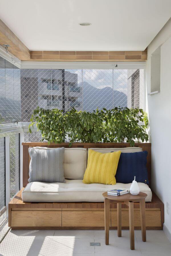 Quarto com varanda e rede de proteção