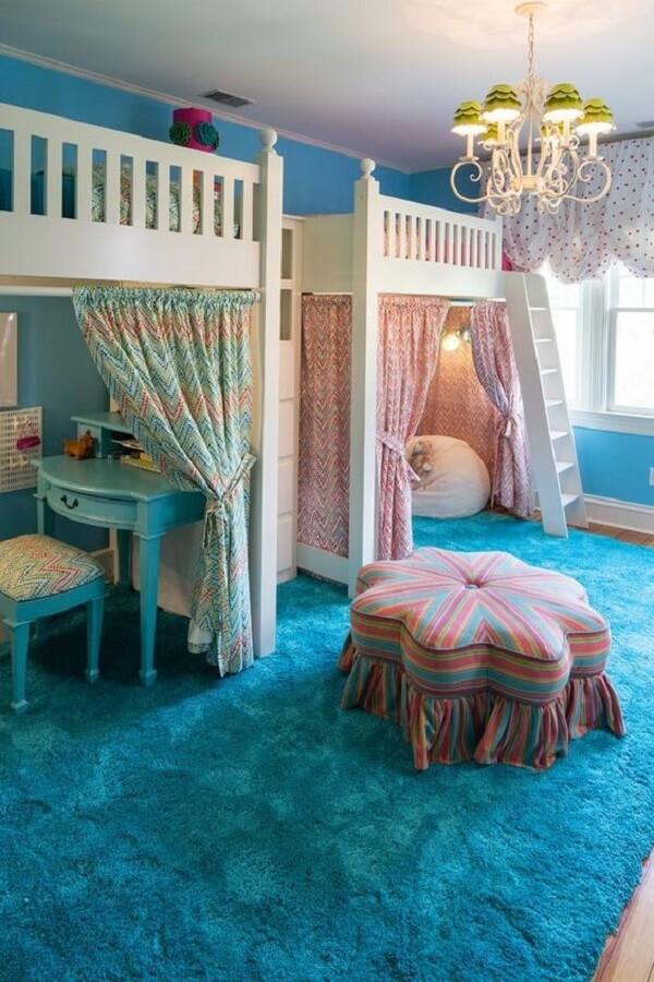 Quarto infantil compartilhado com cama mezanino