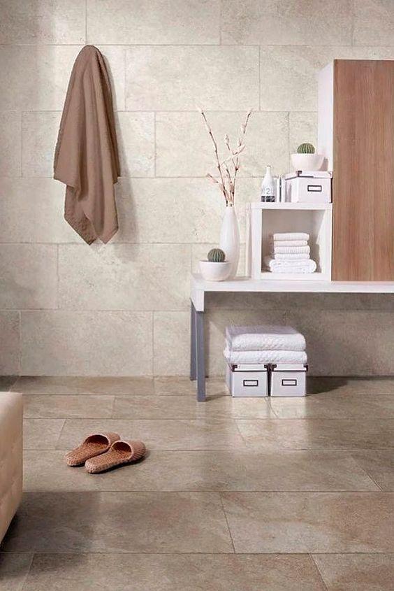 Revestimento bege para banheiro