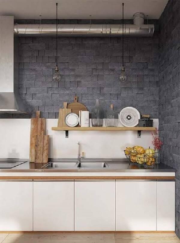 Revestimento de pedra para parede do tipo miracema foi usada na cozinha