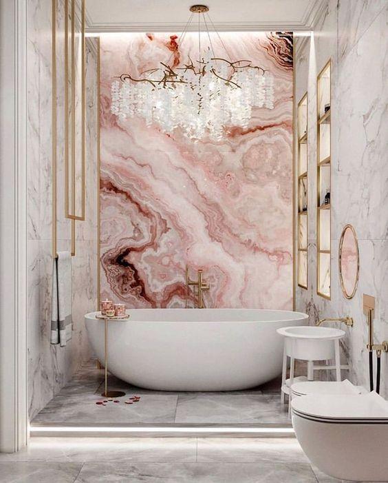 Revestimento marmorizado em tons de rosa