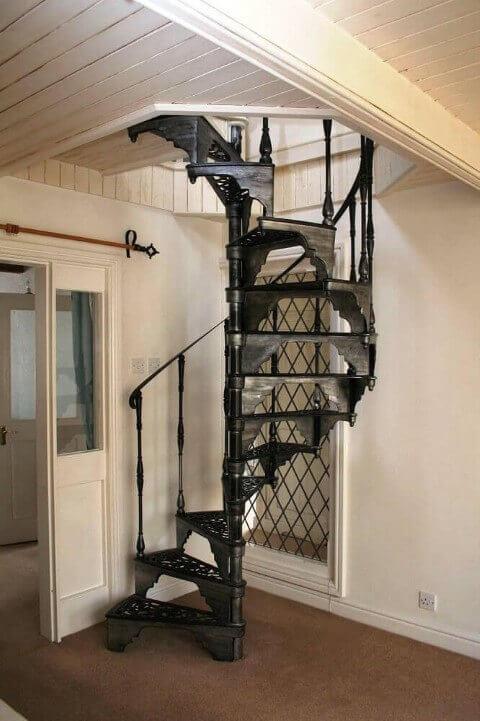 Revestimento para escada de ferro com design caracol