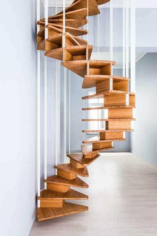 Revestimento para escada em madeira com design minimalista