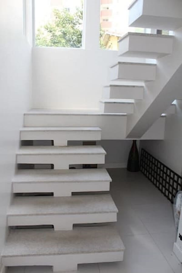 Revestimento para escada pré-moldada com granito