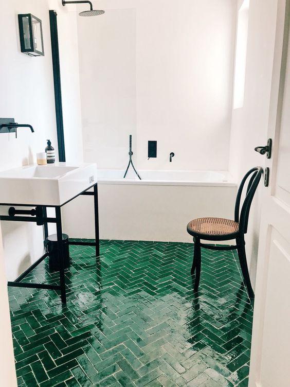 Revestimento verde para piso de banheiro