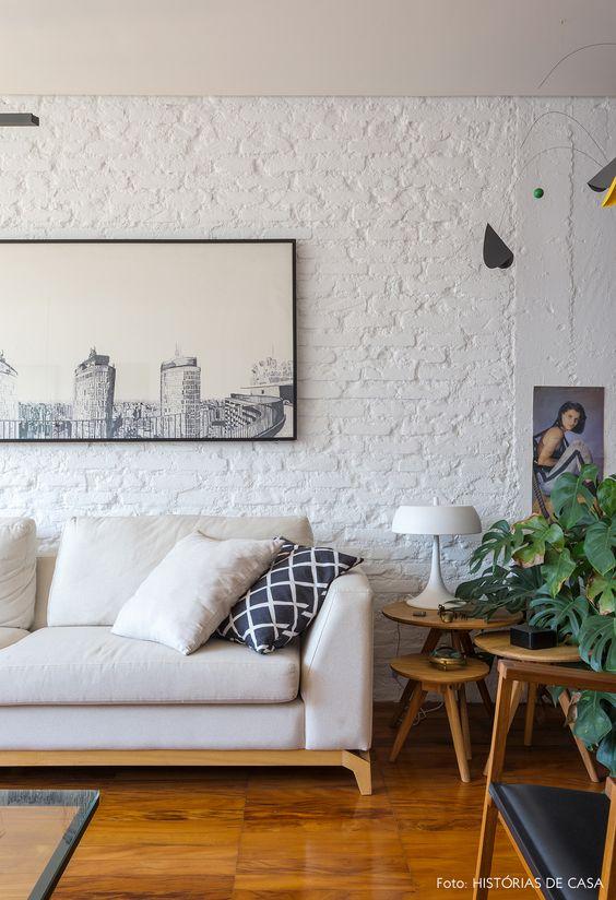 Sala clean com papel de parede rustico tijolinho branco