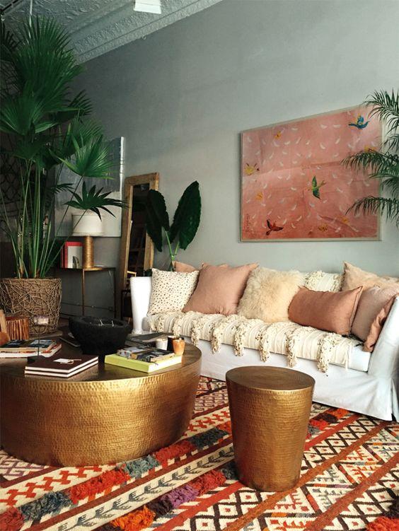 Sala de estar com tecido para almofada diferentes