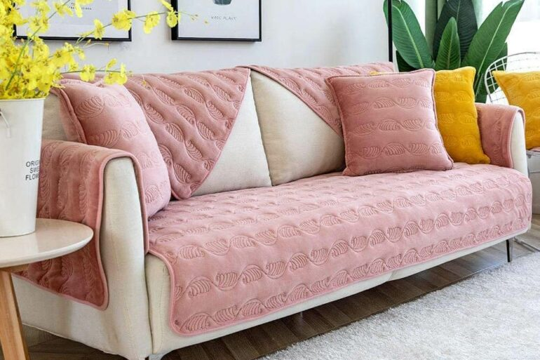 Sala moderna com capa de sofá rosa Foto Amazon