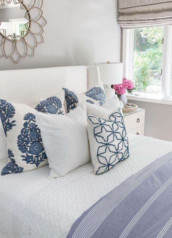 Tecido para almofada branca e azul par quarto