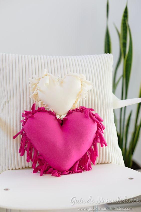 Tecido para almofada em formato de coração