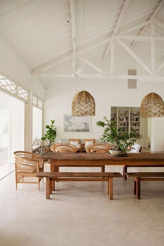 Varanda aconchegante com mesa para área externa moderna