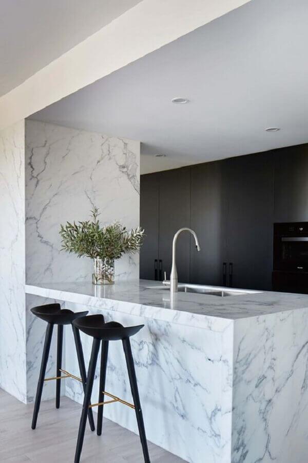 bancada de mármore branco para decoração de cozinha moderna planejada