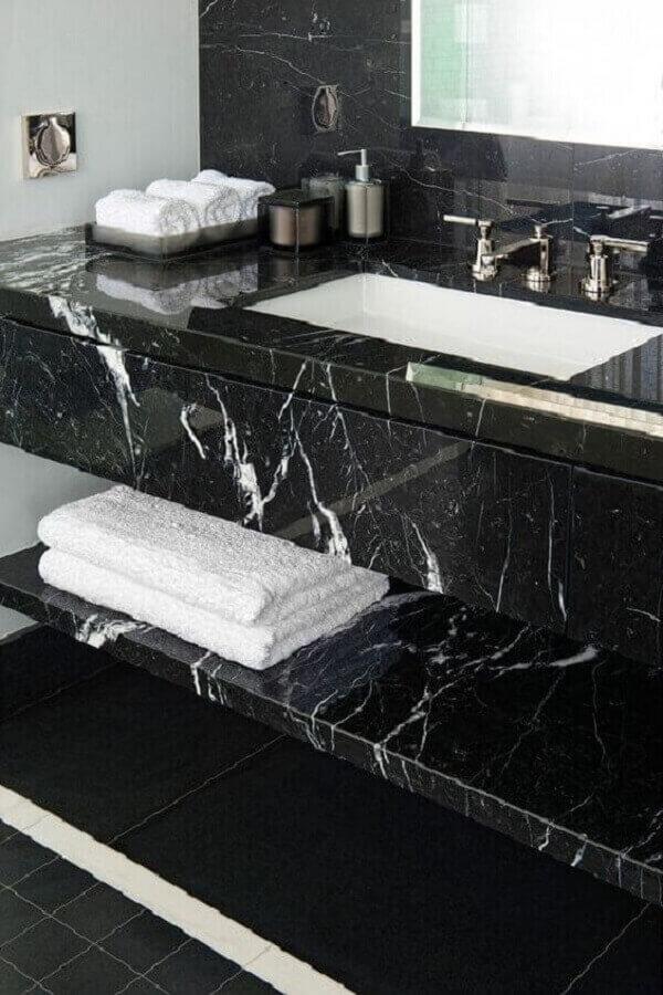 Bancada de mármore preto para decoração de banheiro sofisticado
