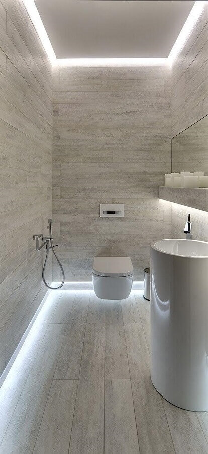 banheiro social cinza claro decorado com fita de led Foto Pinterest