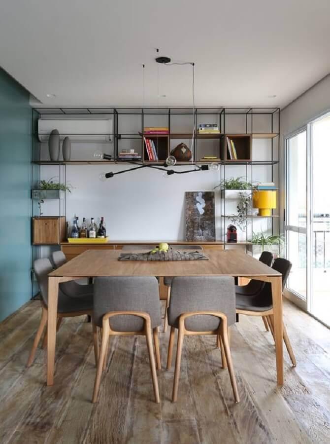 cadeira acolchoada para sala de jantar decorada com estilo industrial Foto Futurist Architecture