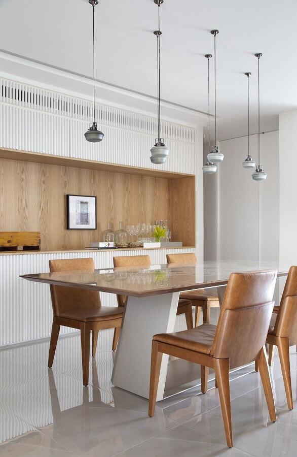 cadeira estofada moderna para decoração de sala de jantar  Foto Conexão Decor