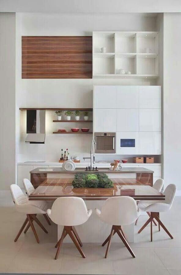 cadeiras acolchoadas para cozinha moderna integrada com sala de jantar Foto Pinterest
