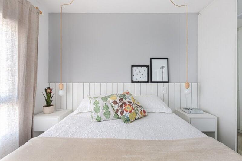 Cores claras para decoração de quarto feminino pequeno
