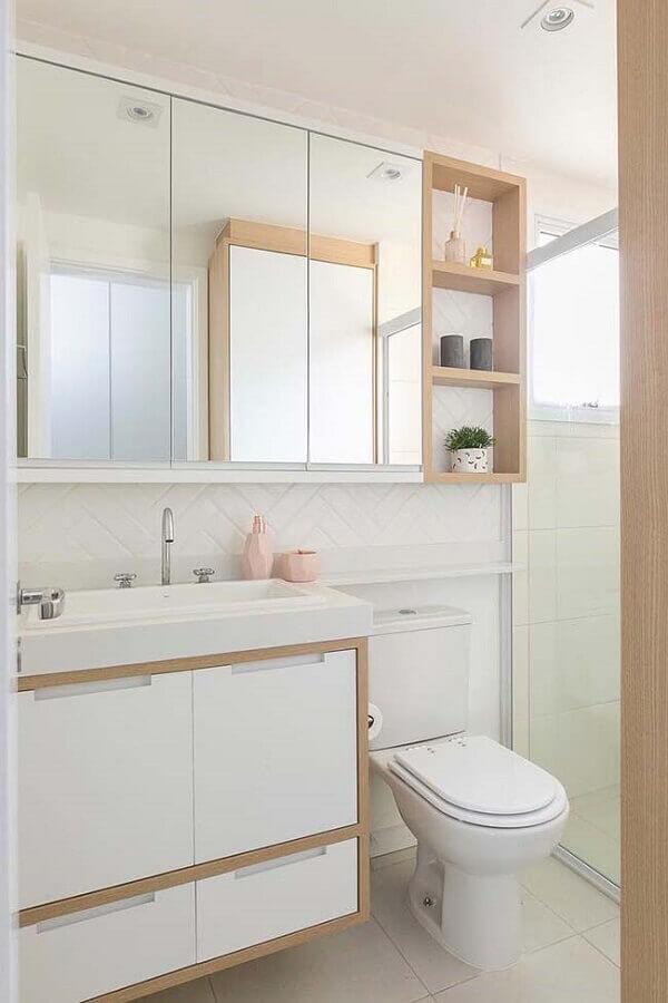 Decoração clean com armário de banheiro com pia pequeno branco